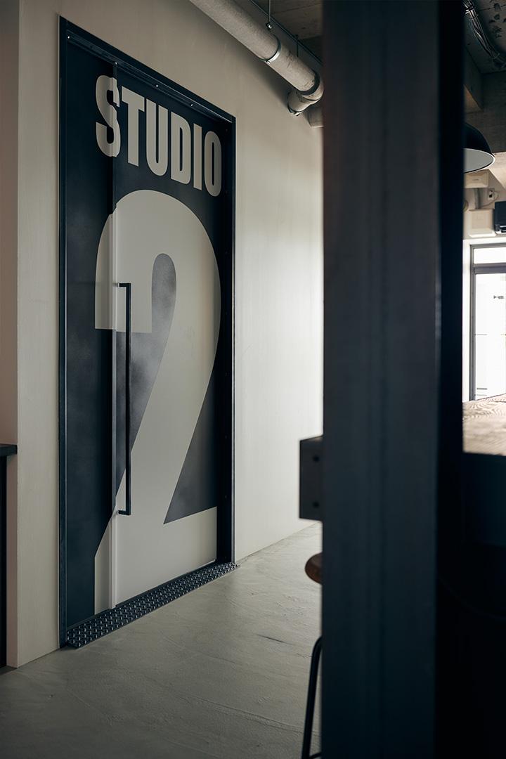 02スタジオ 入り口